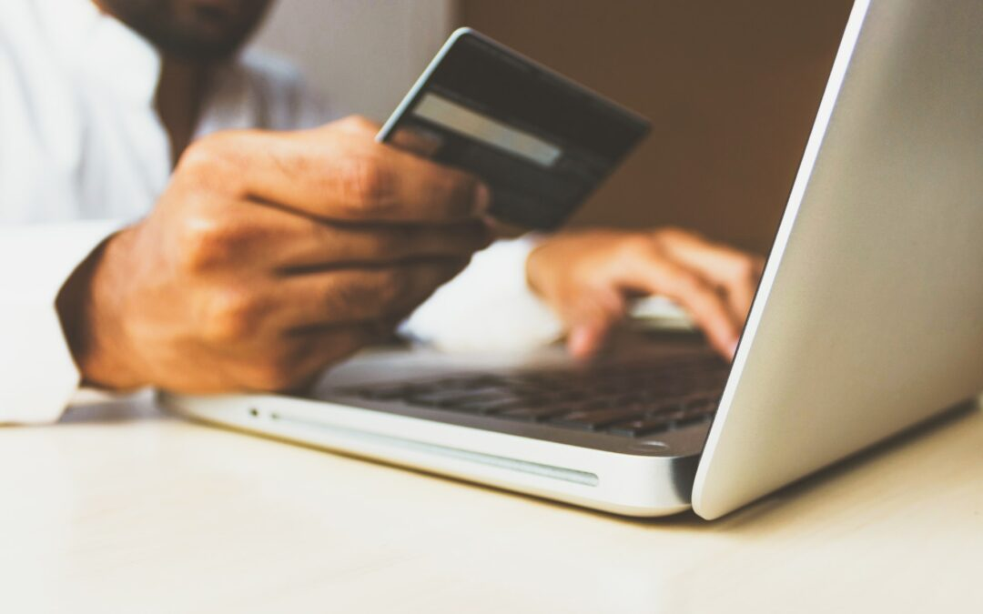 4 Types of E-Commerce Business Models (With Examples)